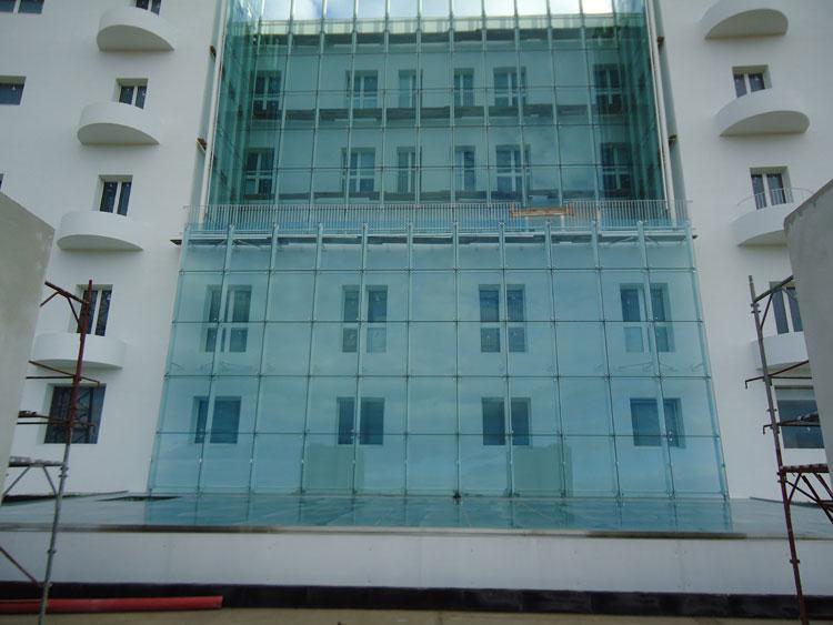 Mitis Srl§ Ospedale San Raffaele - Olbia (Ot). Facciate in vetro. Test effettuati: prove di carico.
