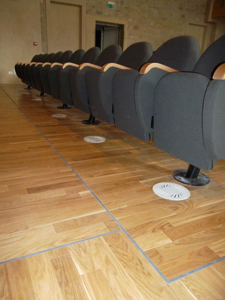 Effeti Srl§ Pavimenti in legno del teatro G. Verdi - Miane (Tv). Test effettuati: reazione al fuoco.